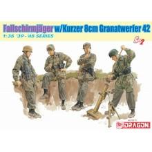 Fallschirmjager w/Kurzer 8cm Granatwerfer 42