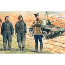 1:35 SOVIET TANK CREW (1939-1942)