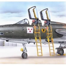 1:48 Ladder for F-105F/ G