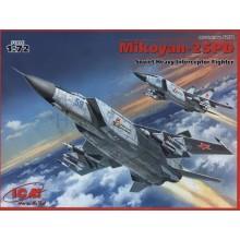 1:72 MiG-25 PD