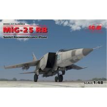 1:48 MiG-25 RB