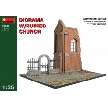1:35 DIORAMA w/RUINED CHURCH