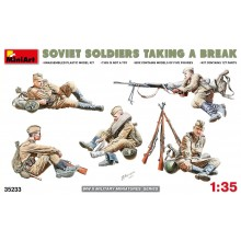 SOVIET SOLDIERS TAKING A BREAK