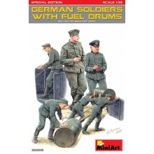 GERMAN SOLDIERS w/FUEL DRUMS. SPECIAL EDITION