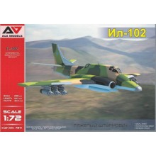 1:72 IL-102 Experimental Ground-Attack Aircraft