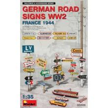 1:35 GERMAN ROAD SIGNS WW2 (FRANCE 1944)