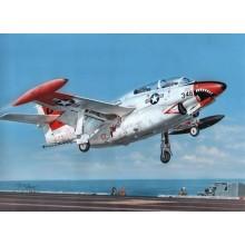 1:32 T-2 Buckeye 'Red & White Trainer'