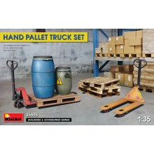 1:35 Hand Pallet Truck Set