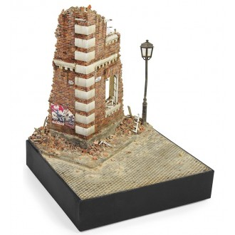 1:35 Street section w/Wall