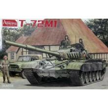 1:35 T-72M / M1