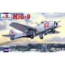 MiG-9 Soviet fighter 1/72