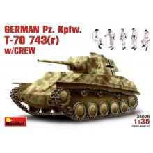 1:35 German Pz. Kpfw. T-70 743(r) w/Crew