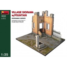 1:35 VILLAGE DIORAMA w/FOUNTAIN